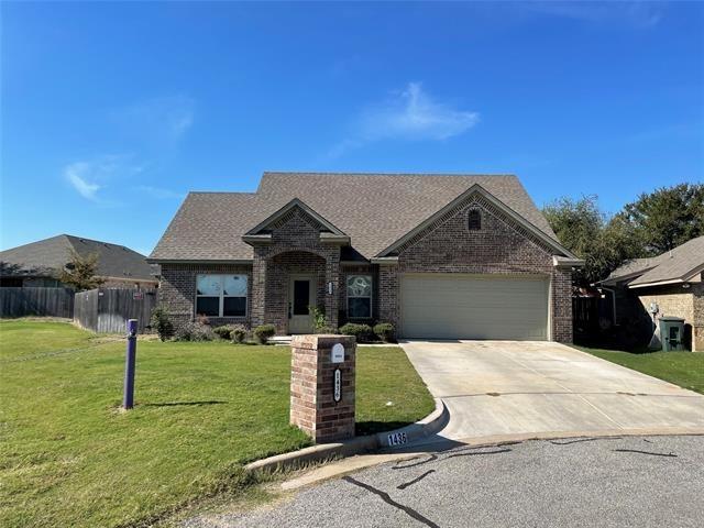 3 Bedrooms, Granbury West Rental in Granbury, TX for $1,995 - Photo 1