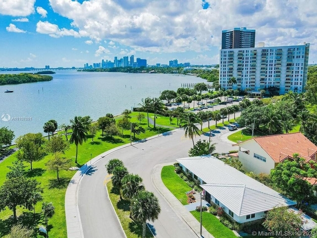 3 Bedrooms, Baywood Rental in Miami, FL for $8,900 - Photo 1