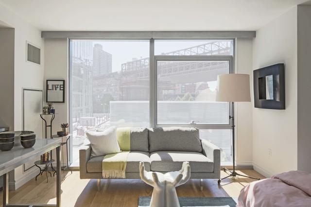 Studio, DUMBO Rental in NYC for $3,695 - Photo 1