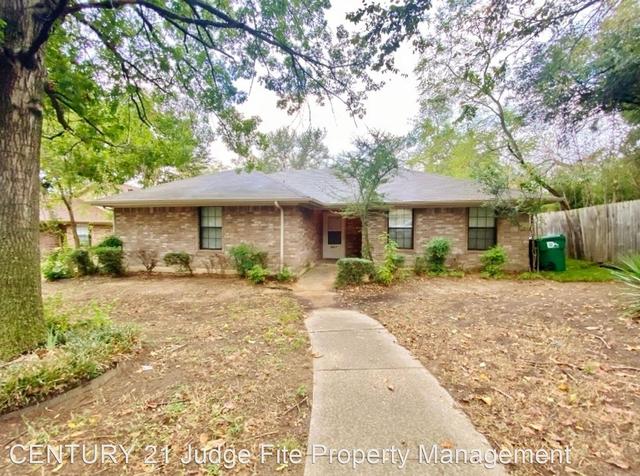 3 Bedrooms, Crestwood Heights Rental in Denton-Lewisville, TX for $1,895 - Photo 1