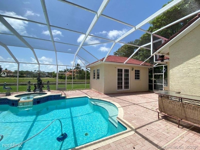 5 Bedrooms, Groves at Old Cutler Rental in Miami, FL for $7,900 - Photo 1