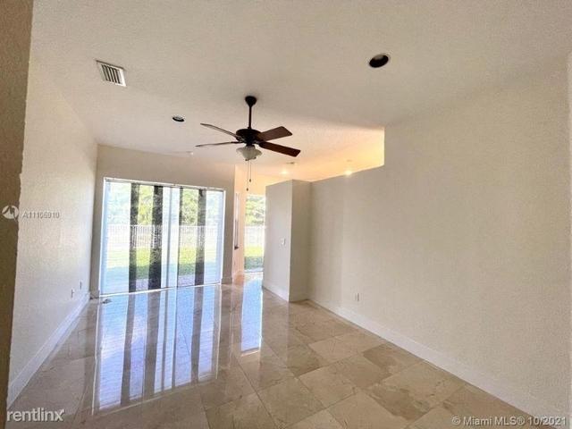 4 Bedrooms, Doral Sands Rental in Miami, FL for $5,500 - Photo 1