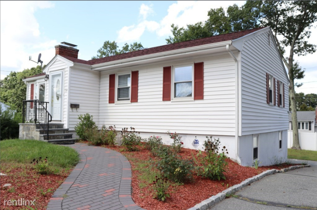 4 Bedrooms, Randolph Rental in Boston, MA for $3,200 - Photo 1