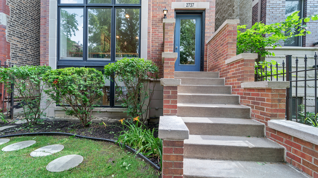3 Bedrooms, Humboldt Park Rental in Chicago, IL for $2,500 - Photo 1