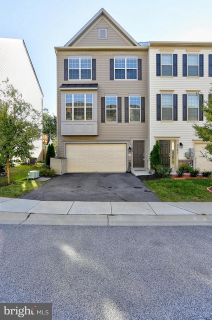 3 Bedrooms, Severn Rental in Baltimore, MD for $2,600 - Photo 1