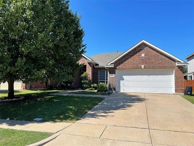 3 Bedrooms, Willowstone Estates at Mansfield Rental in Dallas for $2,300 - Photo 1