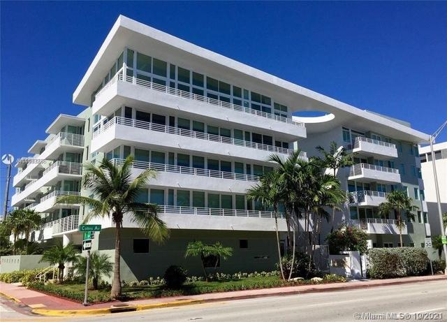 2 Bedrooms, Altos Del Mar South Rental in Miami, FL for $3,000 - Photo 1