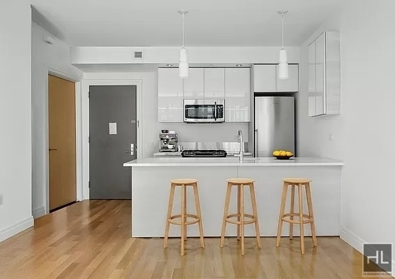 Studio, Hell's Kitchen Rental in NYC for $2,928 - Photo 1