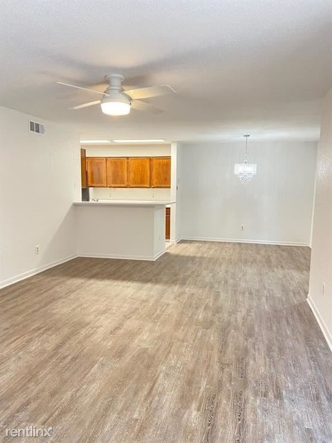 2 Bedrooms, Creekbend Townhome Condominiums Rental in Houston for $1,200 - Photo 1