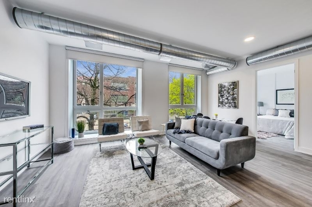 4 Bedrooms, Rogers Park Rental in Chicago, IL for $3,025 - Photo 1