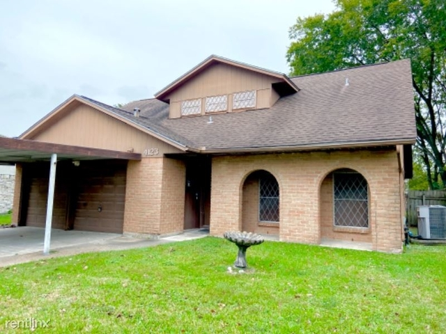 4 Bedrooms, Bowling Green Rental in Houston for $1,750 - Photo 1