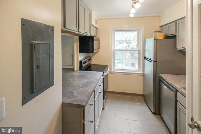 2 Bedrooms, Fairfax Village Rental in Washington, DC for $1,650 - Photo 1