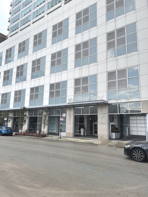 3 Bedrooms, South Loop Rental in Chicago, IL for $3,800 - Photo 1