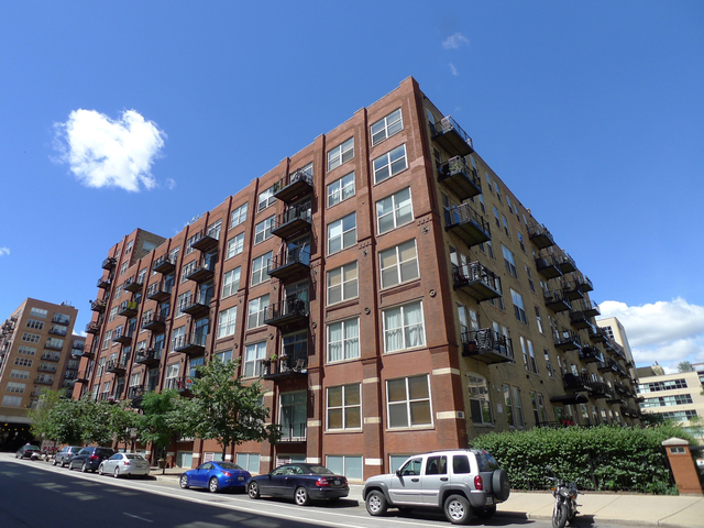 2 Bedrooms, West Loop Rental in Chicago, IL for $2,570 - Photo 1