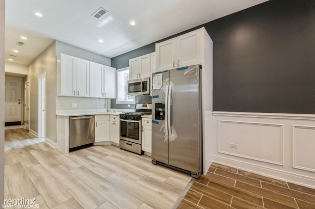 3 Bedrooms, Cragin Rental in Chicago, IL for $2,000 - Photo 1