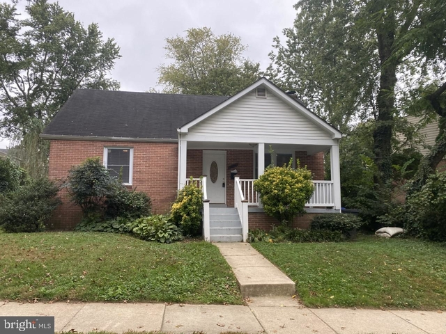 3 Bedrooms, Forest Estates Rental in Washington, DC for $2,700 - Photo 1