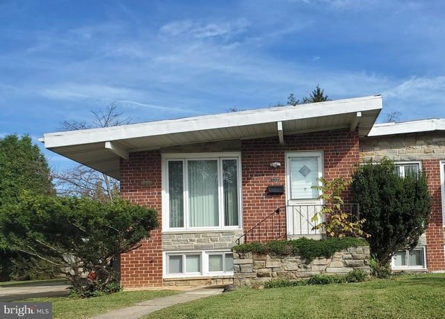 3 Bedrooms, Pikesville Rental in Baltimore, MD for $1,800 - Photo 1