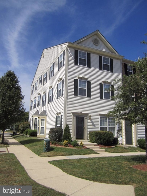 3 Bedrooms, Severn Rental in Baltimore, MD for $2,100 - Photo 1