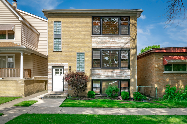 3 Bedrooms, Proviso Rental in Chicago, IL for $1,850 - Photo 1