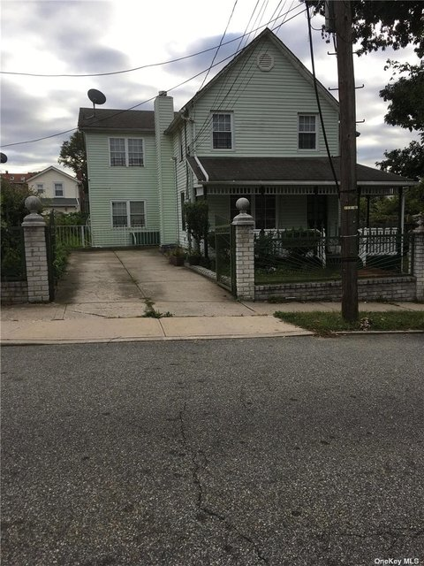 3 Bedrooms, Queens Village Rental in Long Island, NY for $2,600 - Photo 1