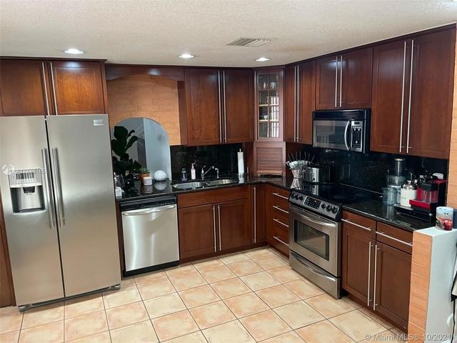 3 Bedrooms, Villas at The Hammocks Rental in Miami, FL for $2,800 - Photo 1