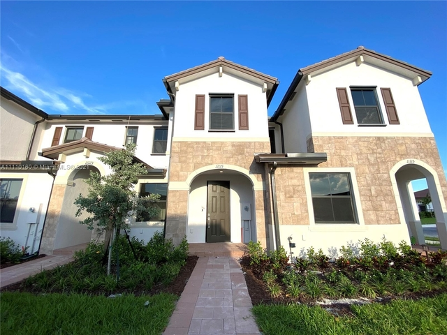 3 Bedrooms, Hialeah Rental in Miami, FL for $3,000 - Photo 1