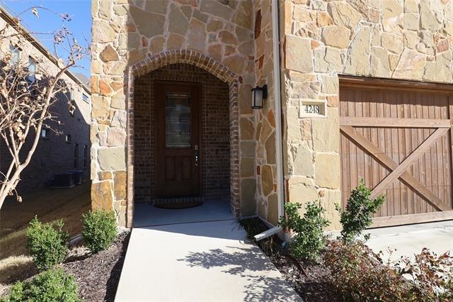 3 Bedrooms, Carrollton Rental in Dallas for $3,000 - Photo 1