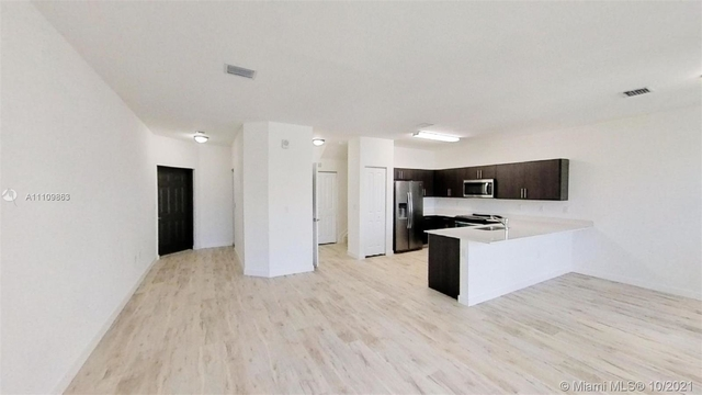 3 Bedrooms, Country Walk Rental in Miami, FL for $2,700 - Photo 1