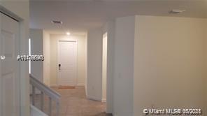 3 Bedrooms, Century Gardens Rental in Miami, FL for $3,000 - Photo 1