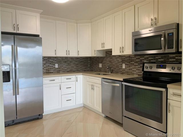 2 Bedrooms, North Miami Rental in Miami, FL for $2,200 - Photo 1