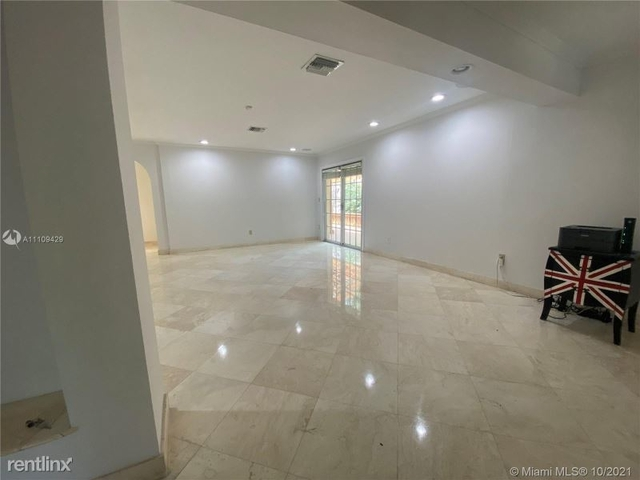 3 Bedrooms, Biscayne Park Terrace Rental in Miami, FL for $8,000 - Photo 1