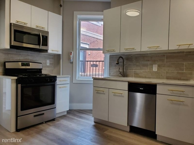 3 Bedrooms, Hudson Rental in NYC for $2,200 - Photo 1