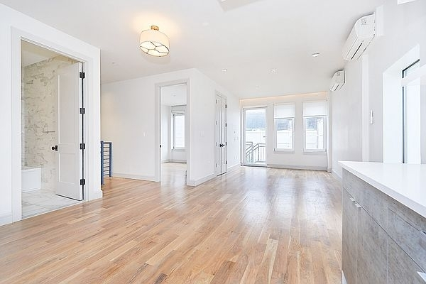 3 Bedrooms, Williamsburg Rental in NYC for $5,200 - Photo 1