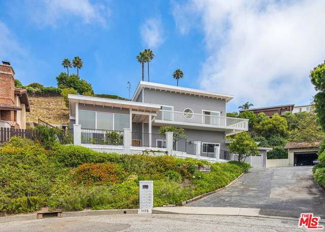 5 Bedrooms, Pacific Palisades Rental in Los Angeles, CA for $12,500 - Photo 1