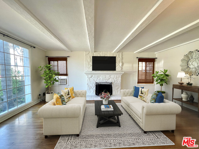 2 Bedrooms, Mid City Rental in Los Angeles, CA for $2,550 - Photo 1