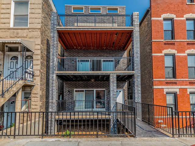 2 Bedrooms, Heart of Chicago Rental in Chicago, IL for $2,000 - Photo 1