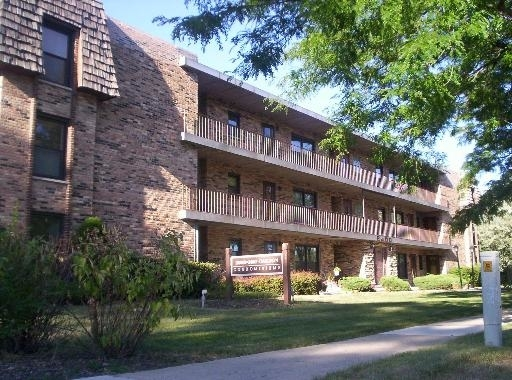 2 Bedrooms, Park Ridge Rental in Chicago, IL for $1,350 - Photo 1