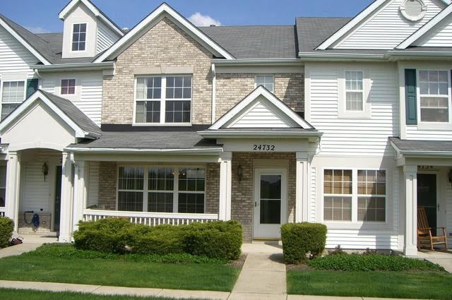 3 Bedrooms, Plainfield Rental in Chicago, IL for $2,100 - Photo 1