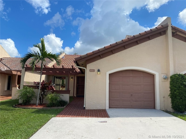 3 Bedrooms, Kings Court West Rental in Miami, FL for $2,950 - Photo 1