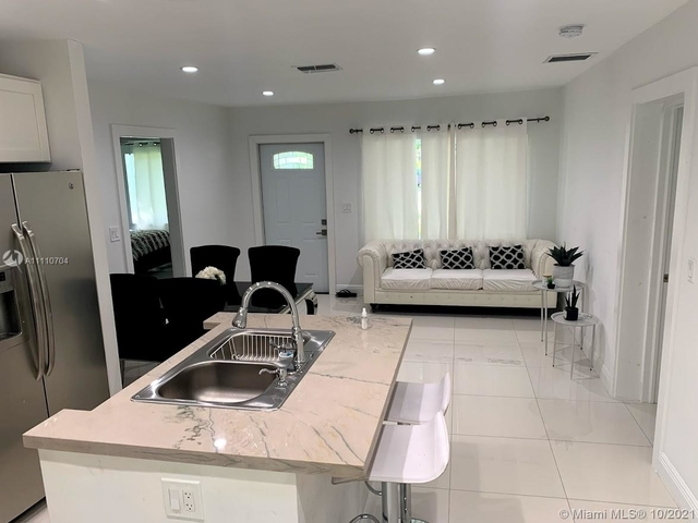 3 Bedrooms, Fulford Homes Rental in Miami, FL for $3,500 - Photo 1