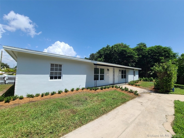 2 Bedrooms, Sunset Villas Rental in Miami, FL for $2,000 - Photo 1