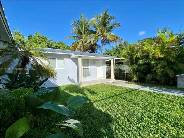 3 Bedrooms, Flagler Grove Estates Rental in Miami, FL for $2,450 - Photo 1