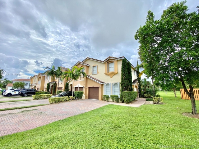 4 Bedrooms, Fontainebleau Park West Rental in Miami, FL for $3,500 - Photo 1