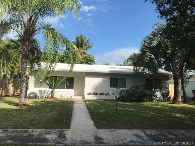 3 Bedrooms, Beverly Gardens Rental in Miami, FL for $3,600 - Photo 1