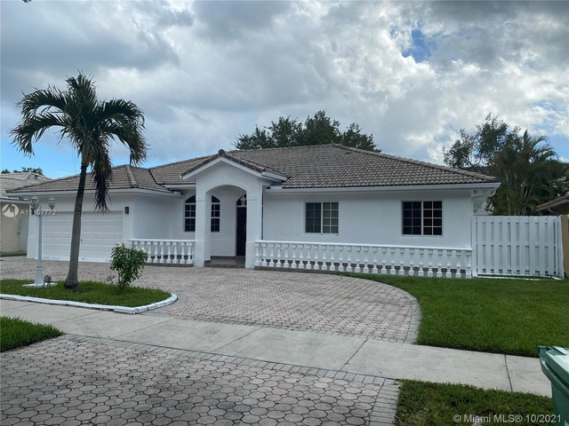 3 Bedrooms, Westchester Rental in Miami, FL for $3,600 - Photo 1
