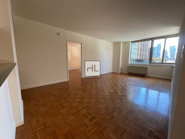 2 Bedrooms, Hunters Point Rental in NYC for $4,830 - Photo 1