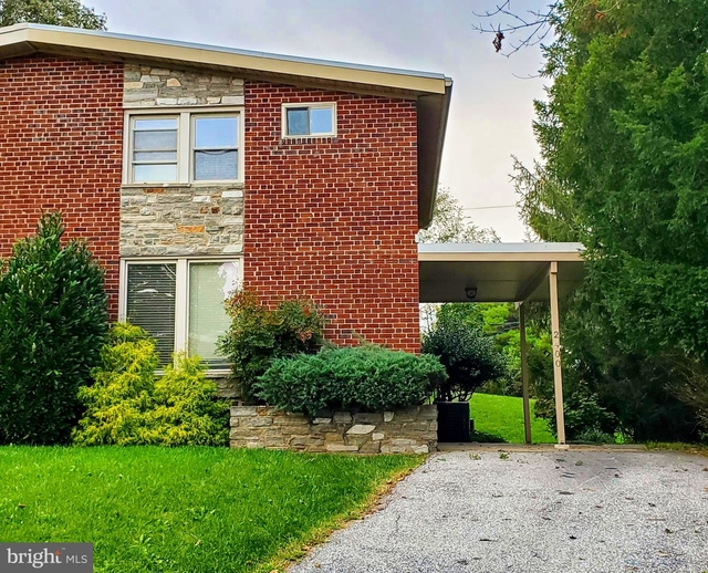 3 Bedrooms, Pikesville Rental in Baltimore, MD for $1,900 - Photo 1