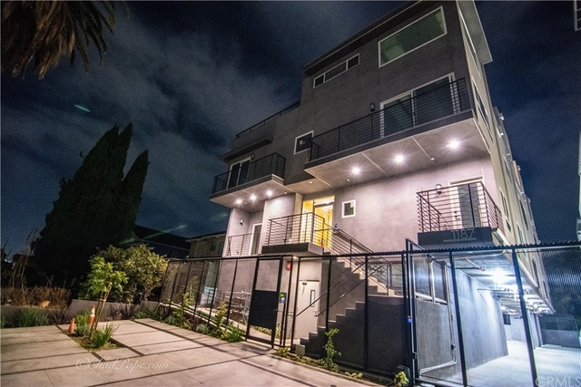 2 Bedrooms, Olympic Park Rental in Los Angeles, CA for $3,400 - Photo 1