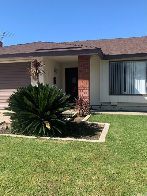 4 Bedrooms, East Anaheim Rental in Los Angeles, CA for $3,800 - Photo 1