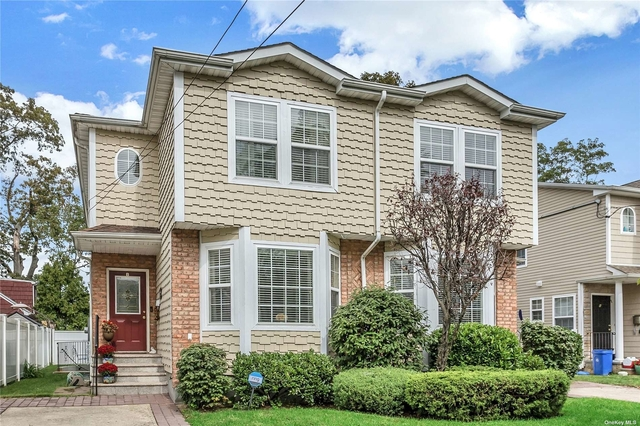 2 Bedrooms, Manorhaven Rental in Long Island, NY for $3,400 - Photo 1
